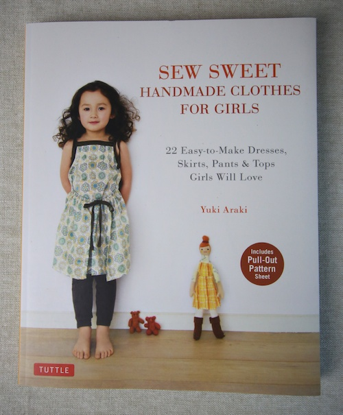 Book Review – Sew Sweet Handmade Clothes for Girls – Now in English!